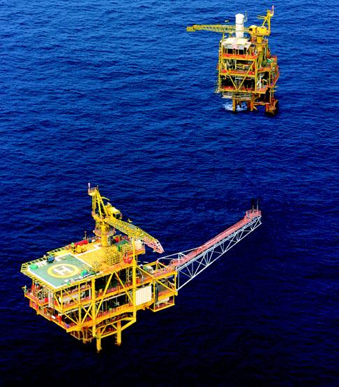 Murphy_Petronas_Kenarong-Pertang_Platforms