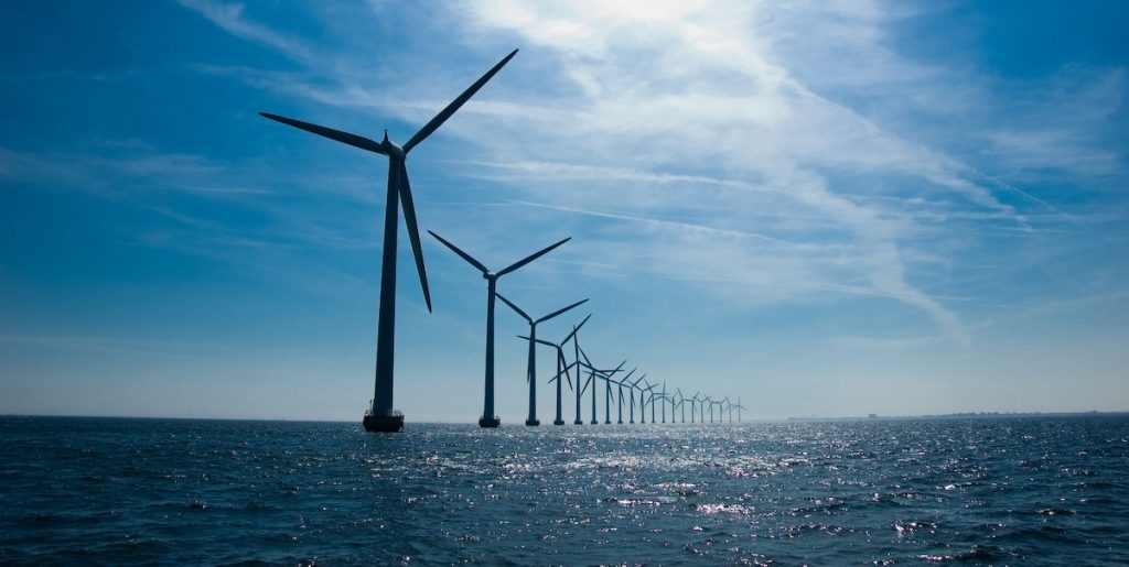 New Energy Outlook - The scalability of Offshore Windmill projects is unbeatable